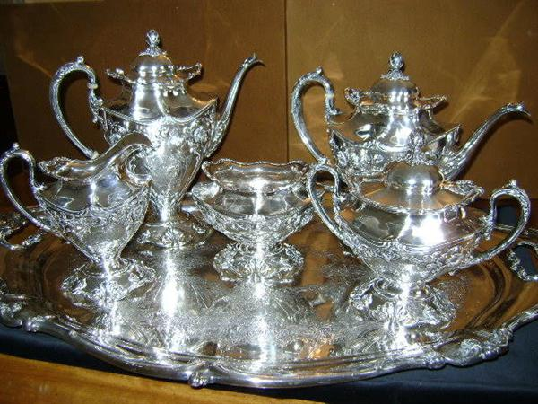 Reed & Barton sterling silver tea/coffee service, dated 1905. Includes 27